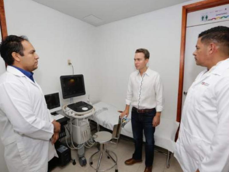Inauguran hospital en Huituipán