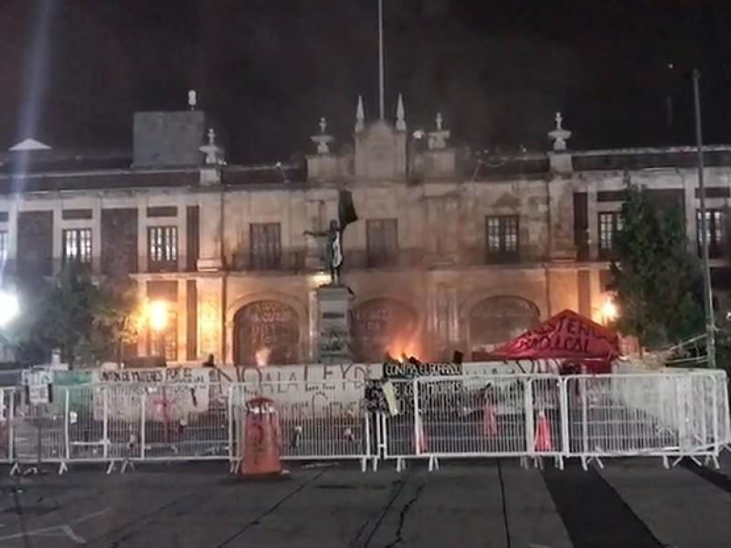 Incendian la legislatura mexiquense