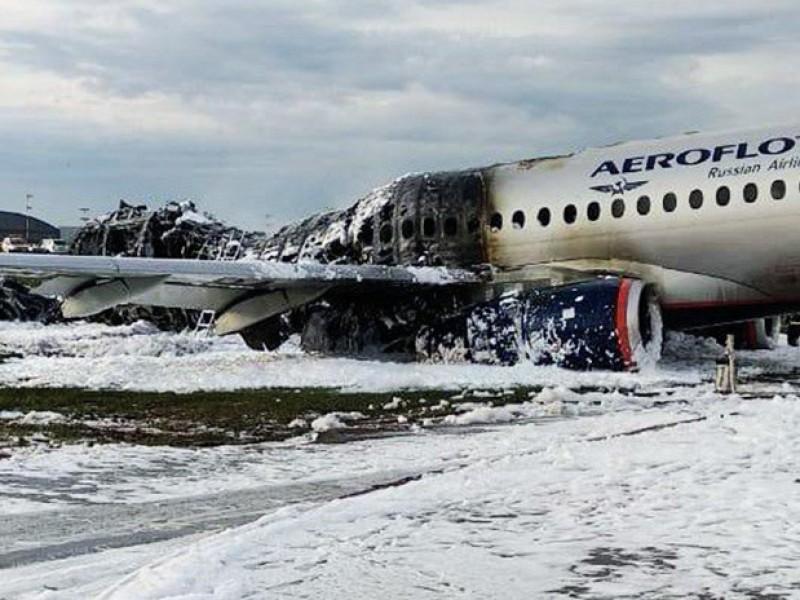 Incendio de avión ruso deja 41 personas muertas