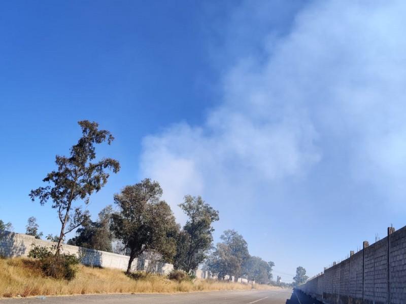 📹Se incendian residuos de azufre en predio Tekchem