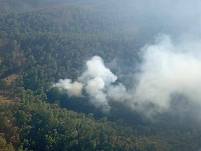 Incendio de Ixtacamaxtitlan lleva 4 días sin ser controlado