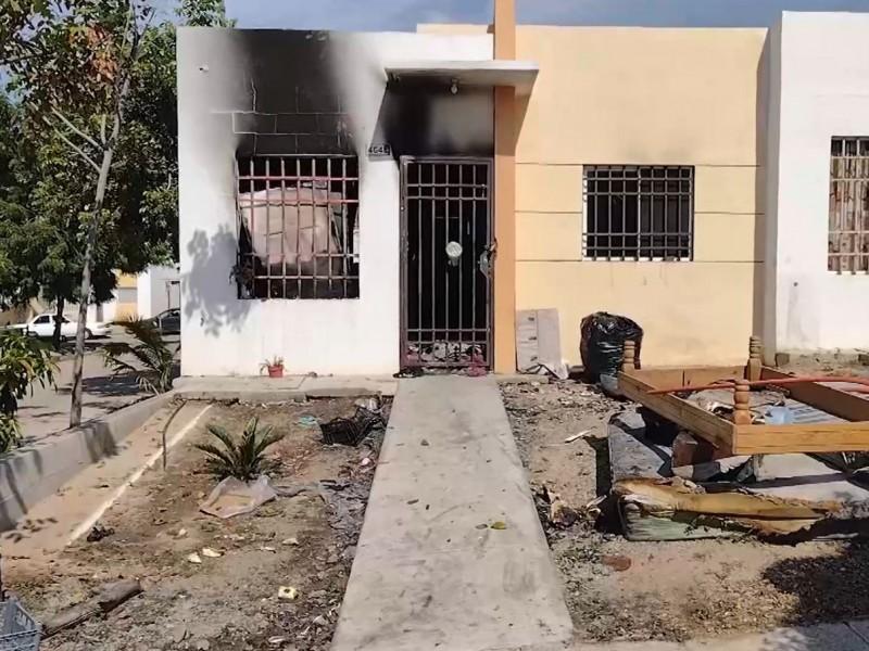 Incendio en Alturas del Sur deja a familia sin hogar