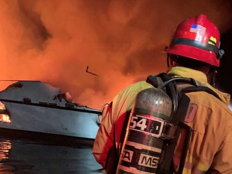 Incendio en barco: 4 muertos y 30 desaparecidos