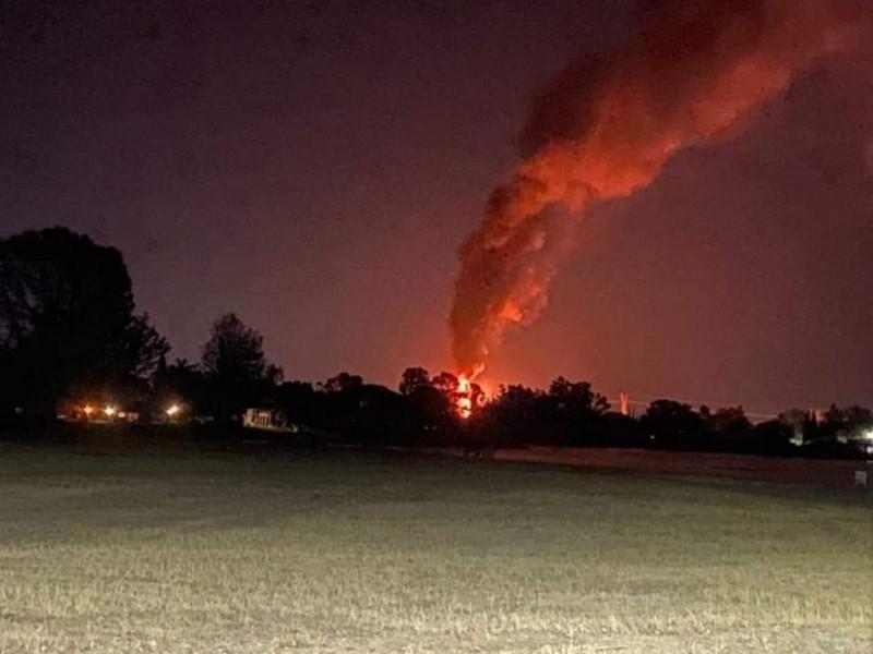 Incendio en ducto de PEMEX de San Juan del Río