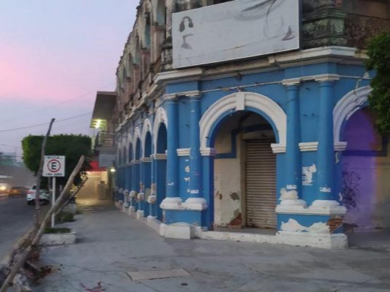Incendio en edificio antiguo de Salina Cruz