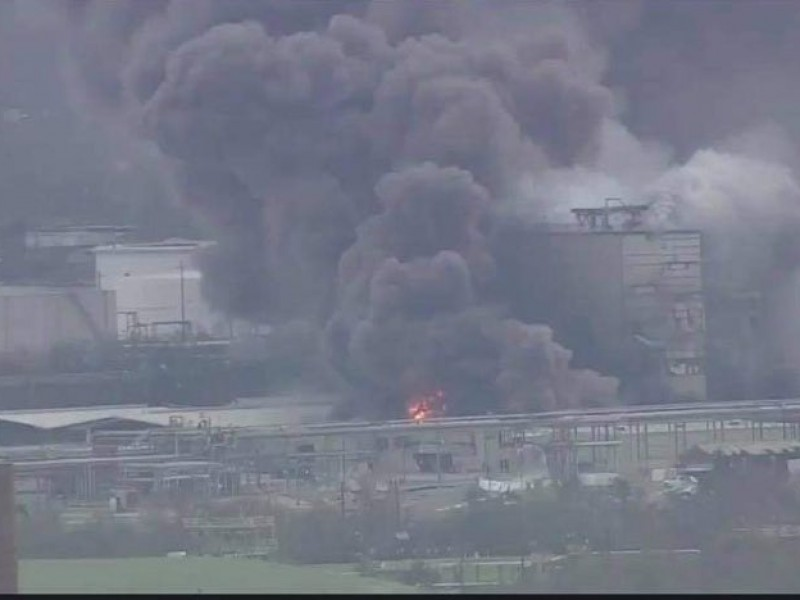 Incendio en planta química de Louisiana genera preocupación