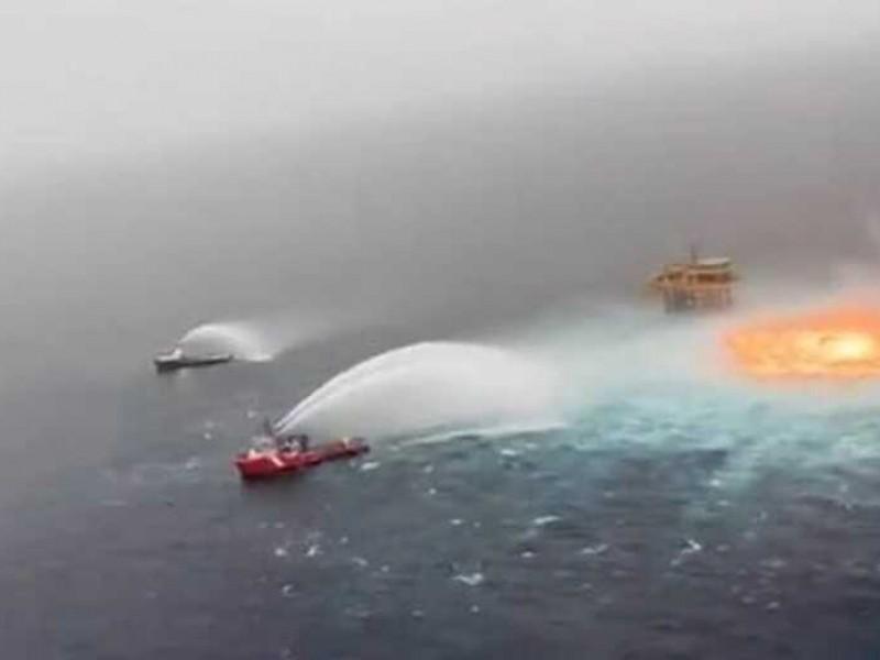 Incendio en plataforma petrolera Ku-Charly, en Campeche