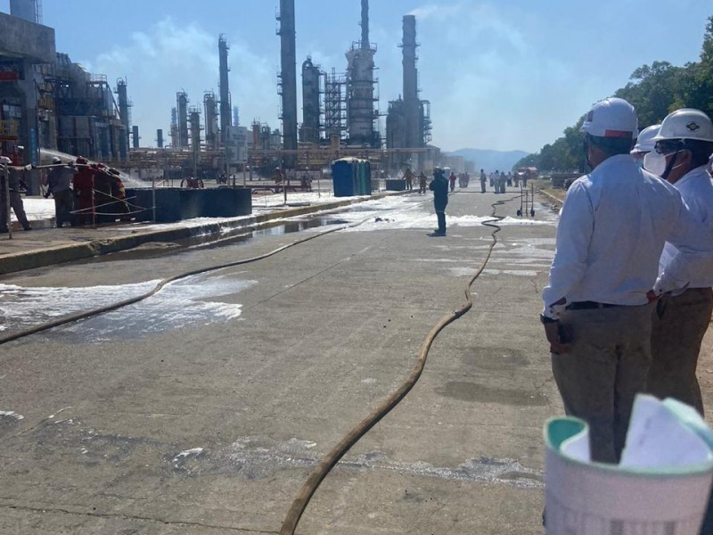 Explosiones en registros de refinería de Salina Cruz, autoridades herméticas