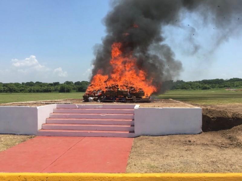 Incineran droga decomisada en Veracruz