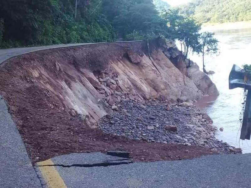 Incomunicado municipio Del Nayar por destrucción de carretera Ruiz-Zacatecas