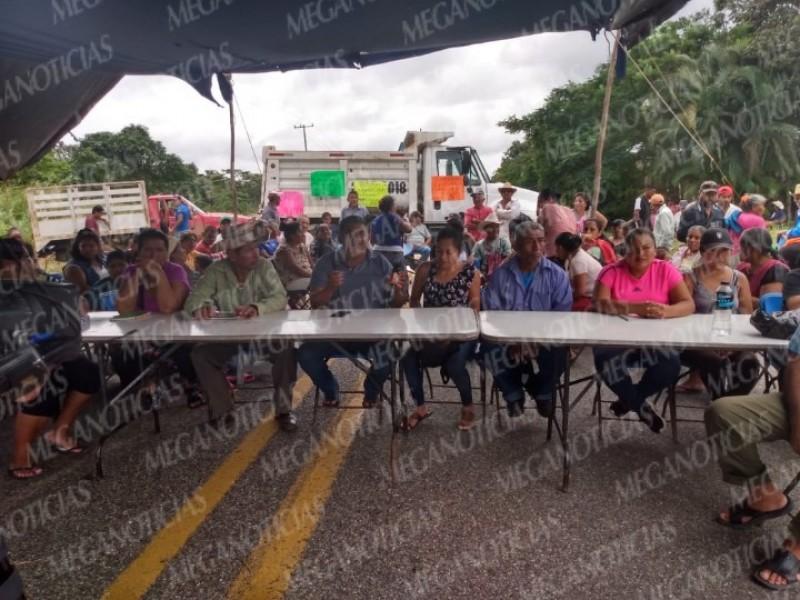 Incomunicado Oaxaca y Veracruz, pobladores exigen recursos: Palomares
