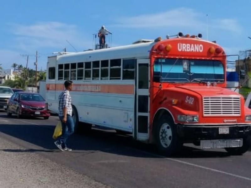 Inconformes transportistas con peso de aumento a tarifa