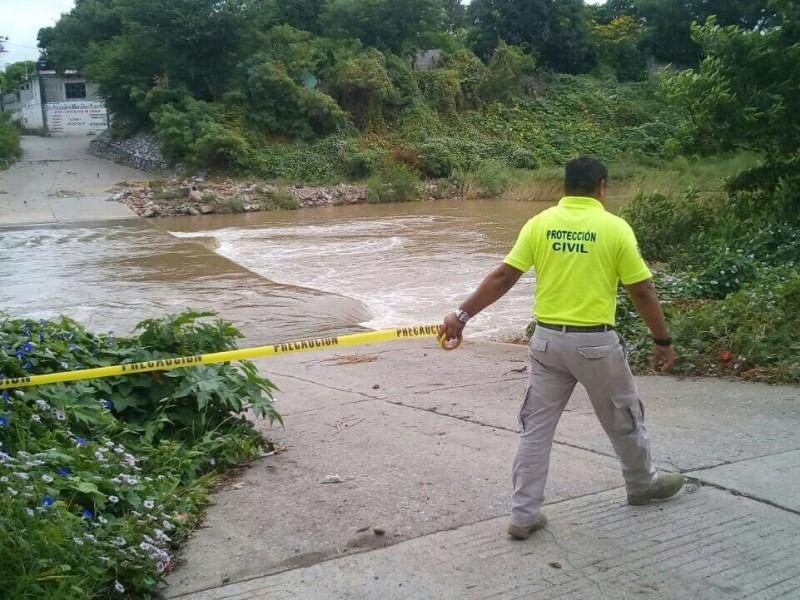 Incrementa nivel del río Las Nutrias en Juchitán