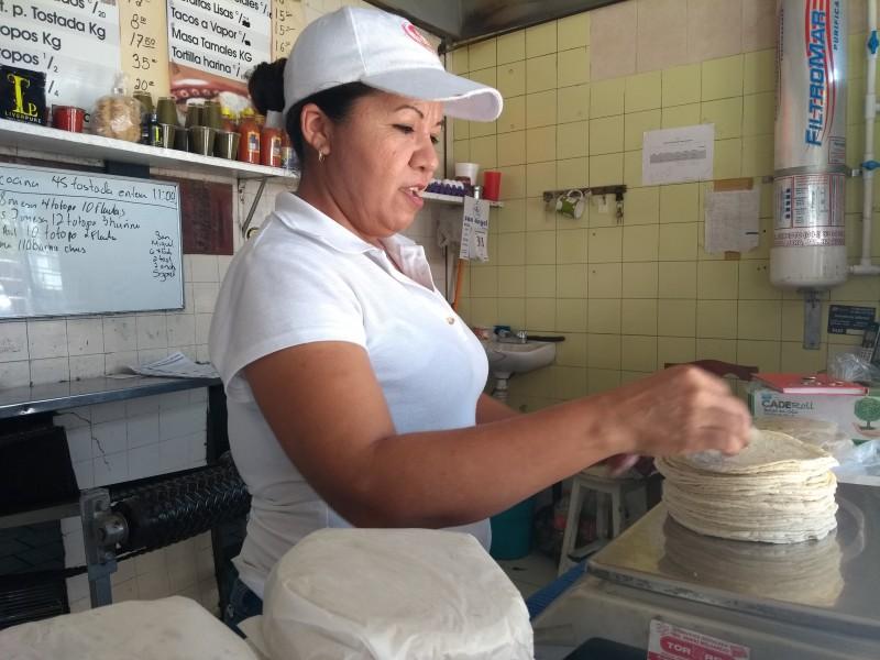 Incrementa un peso el precio de la tortilla