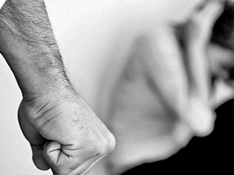 Incrementan casos violencia de género durante confinamiento domiciliario