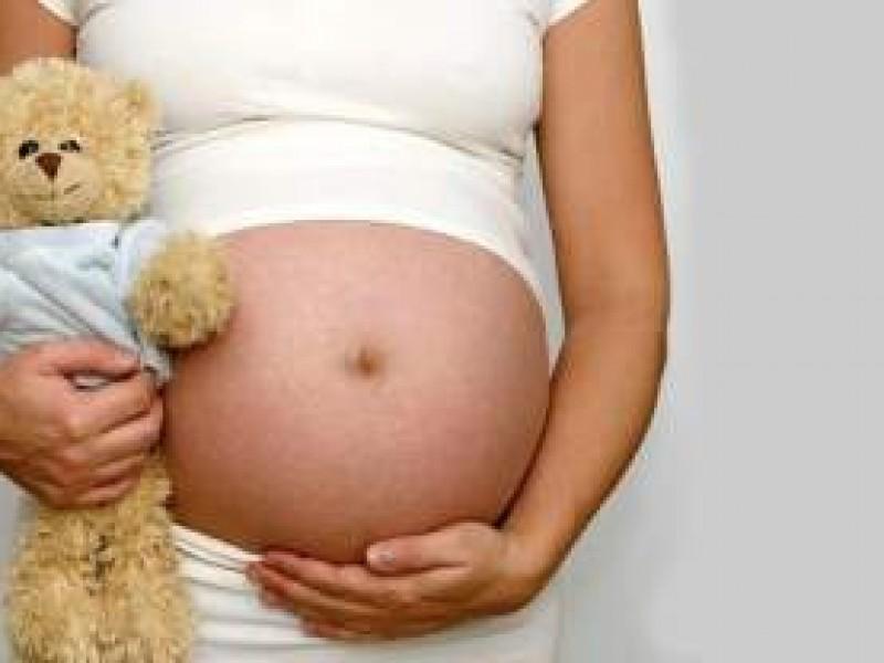 Incrementan embarazos en menores de edad durante confinamiento