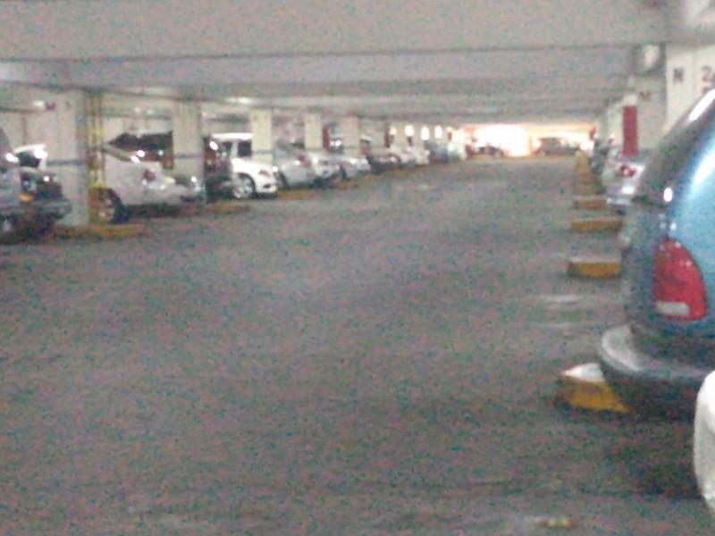Incrementan robos al interior de estacionamientos de ZMG