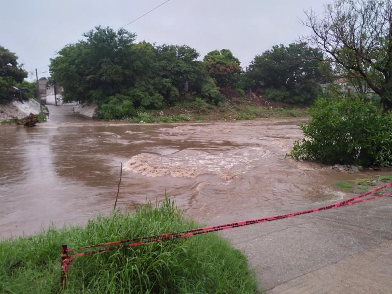 Incremente nivel de río en Juchitán