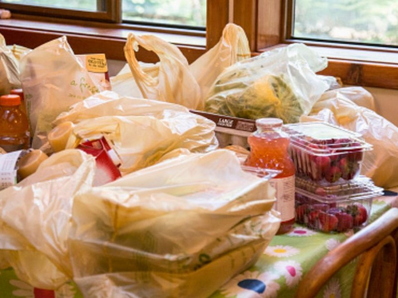 Incumplen municipios plazo para sancionar por 'ley antiplástico'