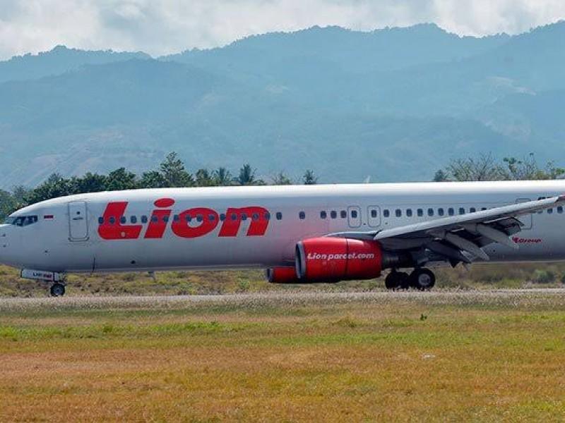 Indonesia extiende búsqueda de víctimas de avión