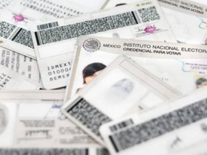 INE llama a ciudadanos a recoger su credencial de elector