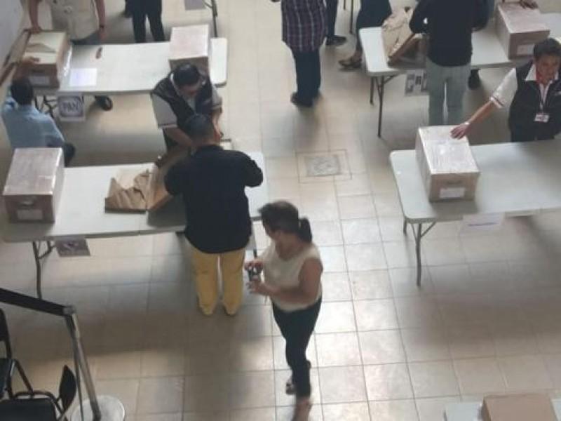 INE Puebla entrega lista nominal a partidos políticos
