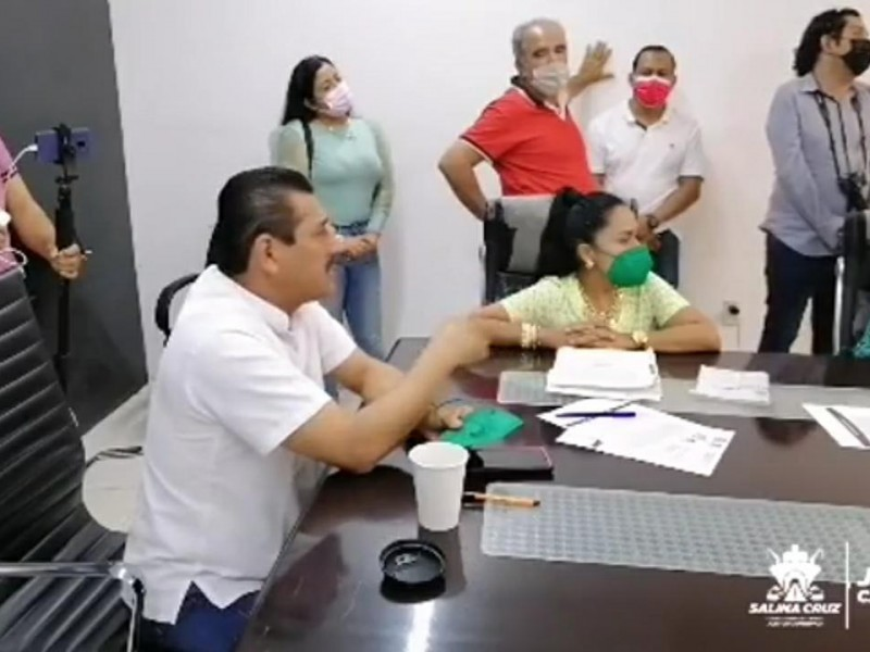 Ingobernabilidad en Salina Cruz, cabildo acéfalo por licencia de alcalde