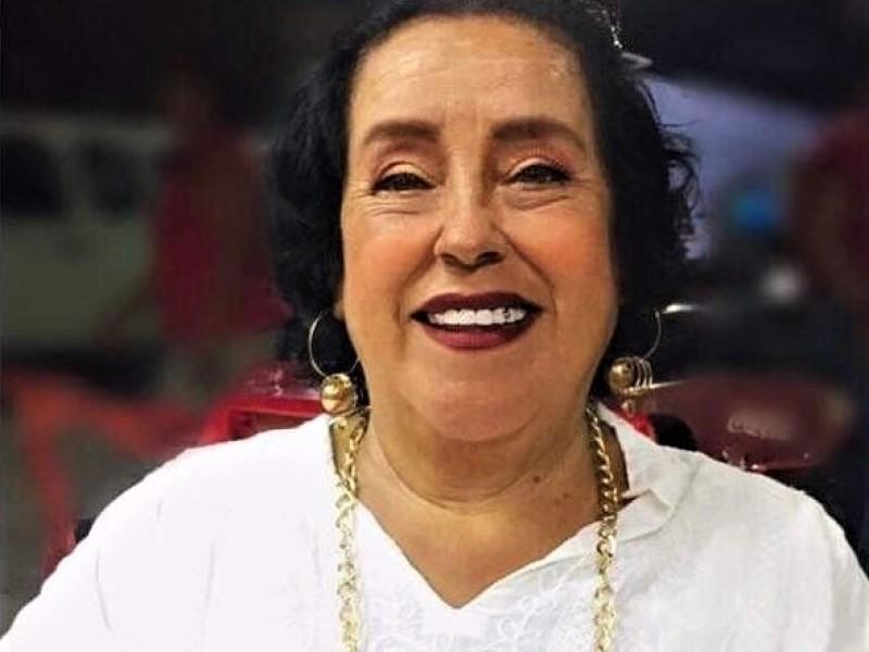 Ingresa a hospital alcaldesa de Moloacan por cuadro respiratorio