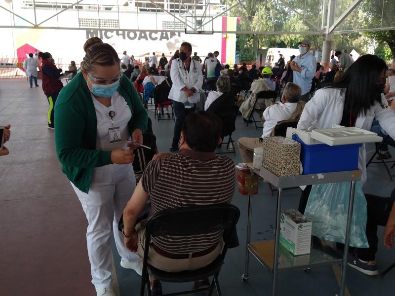 Inicia aplicación de segunda dosis de vacuna anti-covid en Morelia