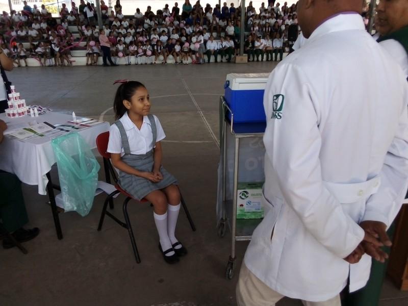 Inicia campaña de vacunación enfocada al VPH