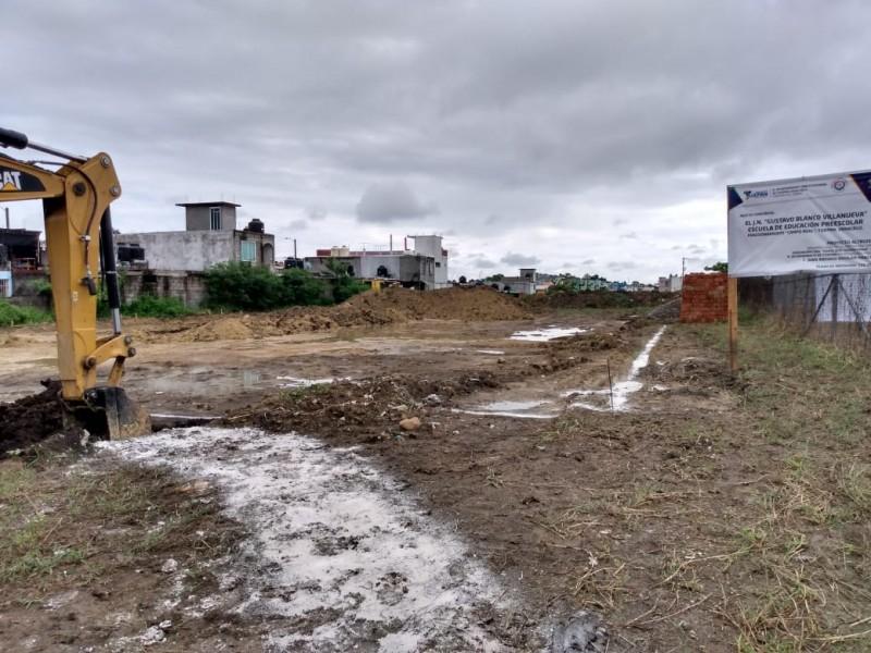 Inicia construcción de jardín de niños en Campo Real