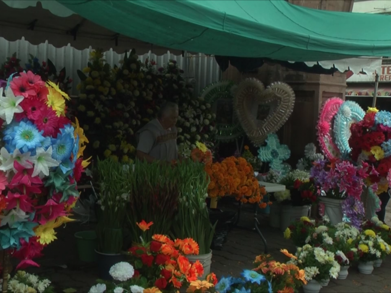 Inicia en Jiquilpan tianguis de flores