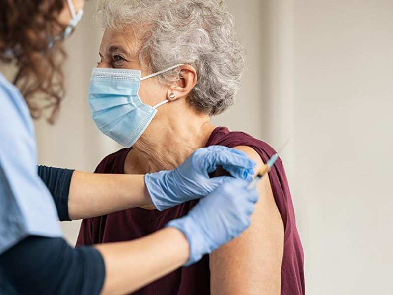 Inicia entrega de turnos en municipios para vacunación adultos mayores