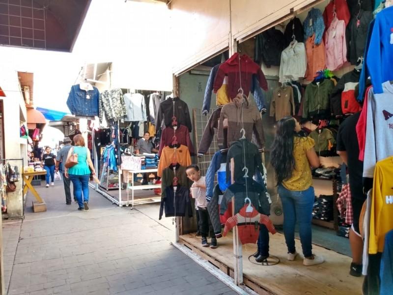 Inicia Feria Navideña en Mercado Municipal