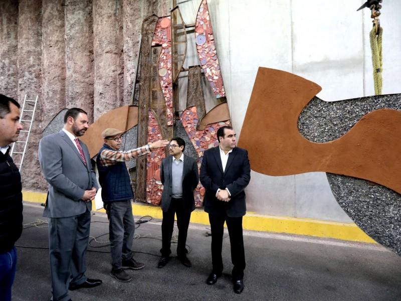 Inicia instalación de mural avenida Pedro Coronel