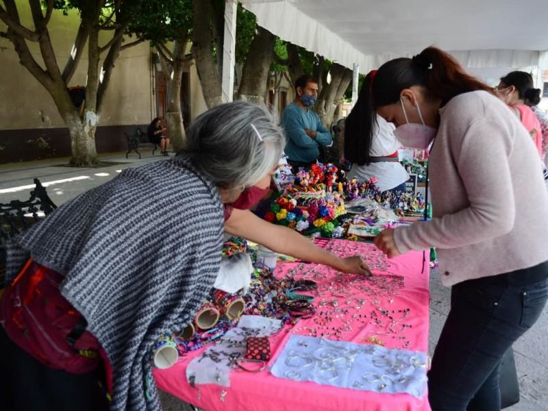 Inicia la Feria Artesanal en el Jardín Guerrero