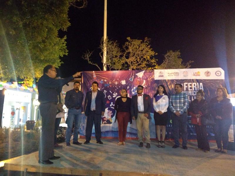 Inicia Primera Feria Municipal del Libro de SJC