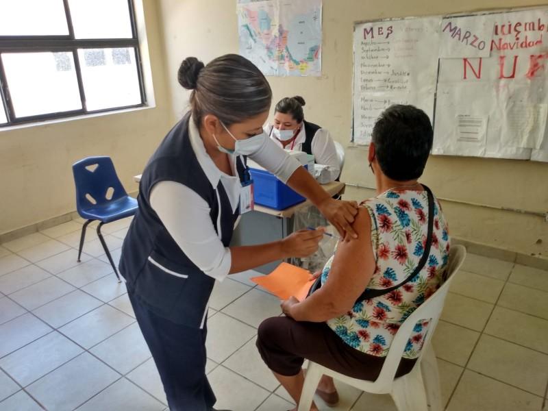 Inicia vacunación al