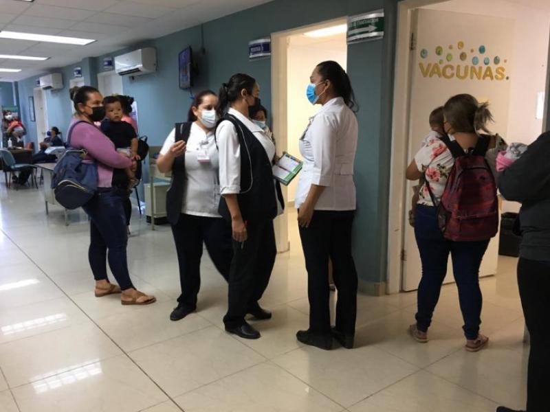 Inicia vacunación contra sarampión y rubéola en Centro de Salud