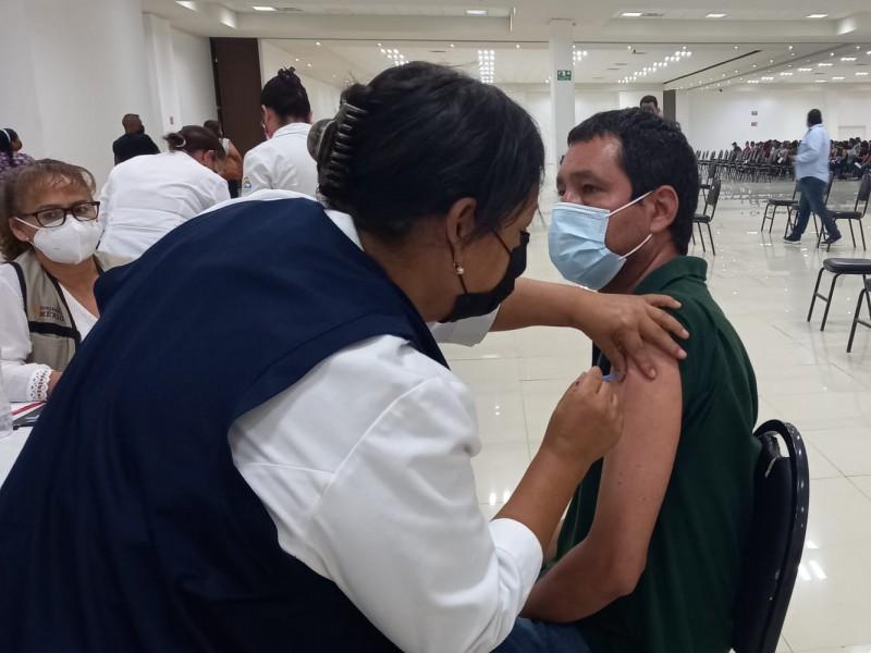 Inicia vacunación de 40 años y más en Lerdo