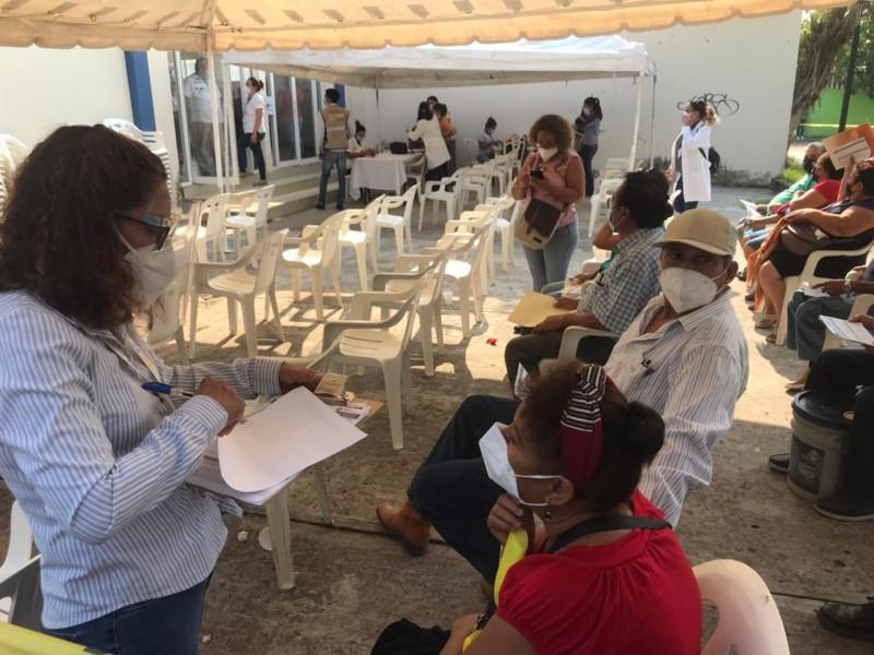 Inicia vacunación en 22 municipios de Veracruz