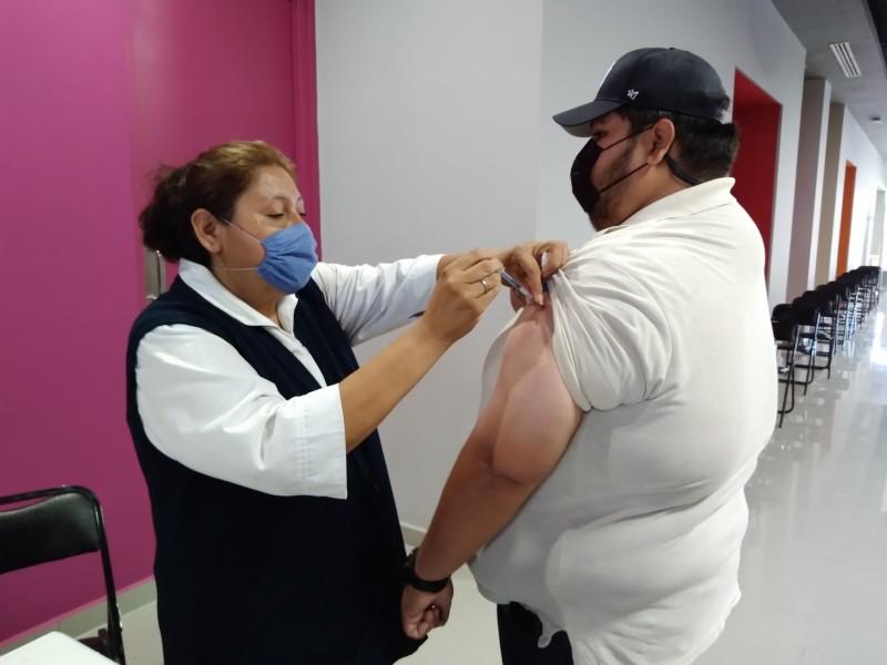 Inicia vacunación en jóvenes de 18 años en Navojoa