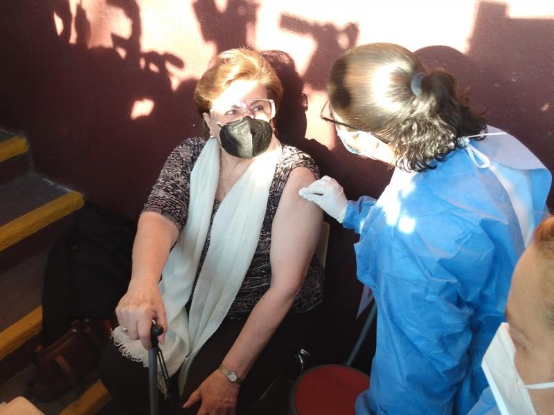 Inicia vacunación en Zapopan