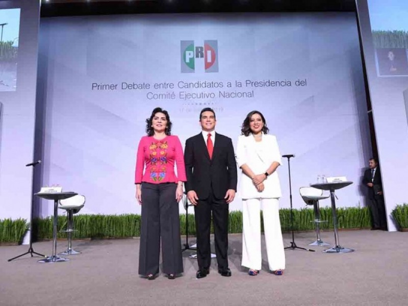 Inician debates para la presidencia del PRI