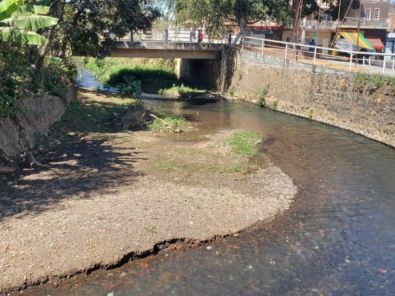Inician labores de limpieza en canales y ríos de Jacona