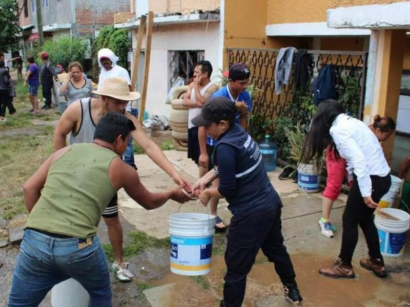 Inician labores de limpieza en colonias inundadas