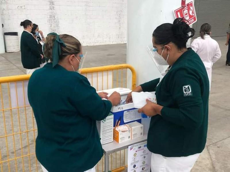Iniciará este martes vacunación a michoacanos de 40 años