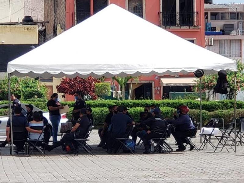 Iniciaron las negociaciones con policías y custodios