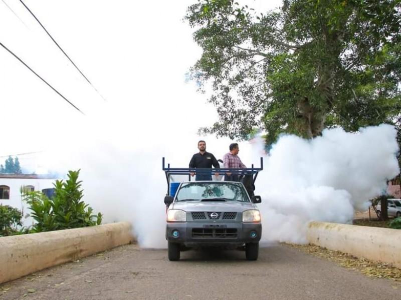 Iniciativa ciudadana de nebulización contra dengue respaldada por Sector Salud