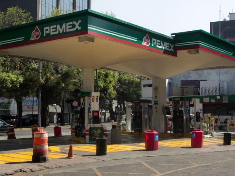 Inmovilizan mangueras de gasolineras por vender excedente